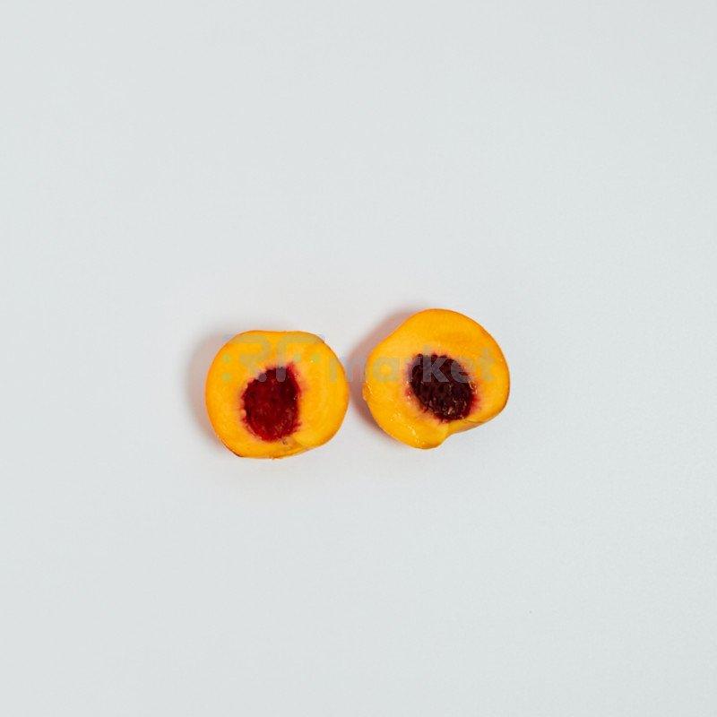 Персики импортные, 950 г, 6 шт